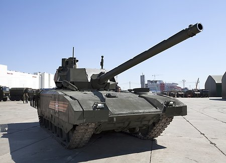 "Yuri Borisov: ""Armata"" will be a long-time landmark for all tank makers of the world"